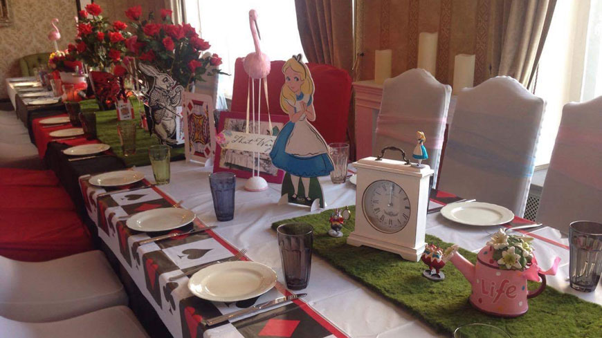 alice im Wunderland Mottoparty